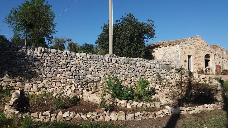 Mettendo una pietra sopra si può arrivare a montagne, fiumi e mari